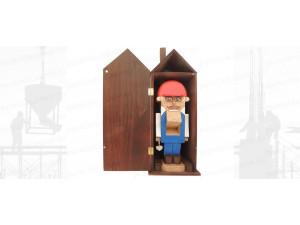 Щелкунчик - орехокол деревянный. Строитель